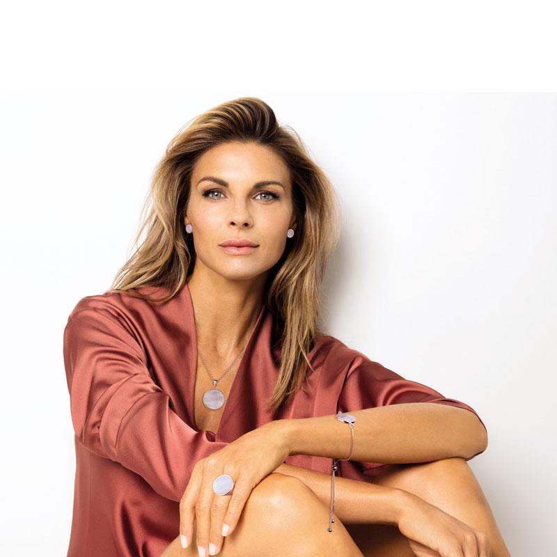 Bronzallure Alba mit Martina Colombari | Juwelier Hilgers Essen